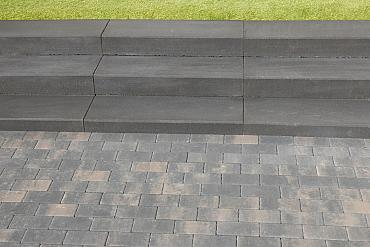 Traptrede 100x35x15 cm indus black kleurecht met facet